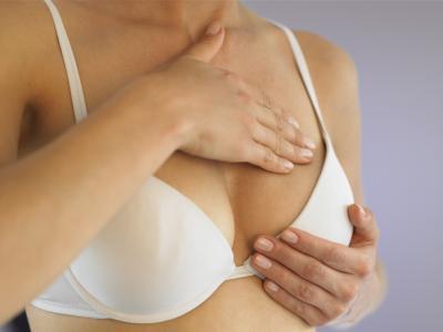 Левая грудь или правая чешется - примета