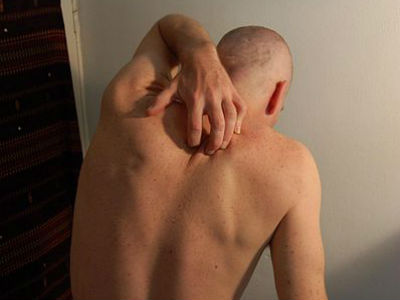 К чему чешется спина
