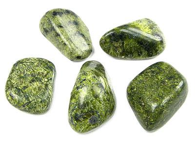 Камень для знака зодиака близнецов