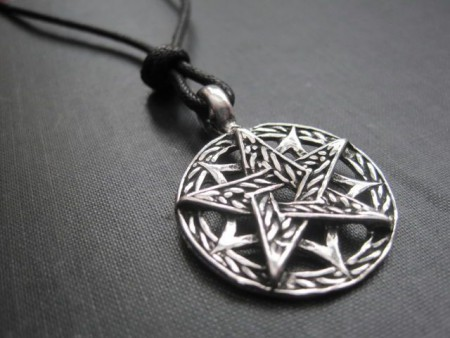 Amulet Pentagram: the meaning of charm