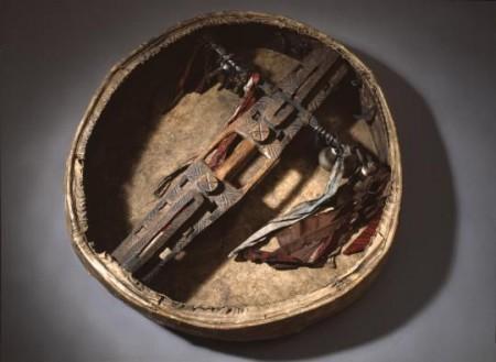 Монахи оберегали себя с помощью амулетов