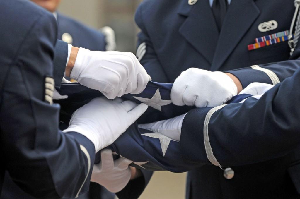 Приворот на похоронах очень сильный