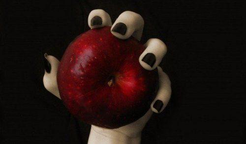 Яблоко поможет вернуть любимого