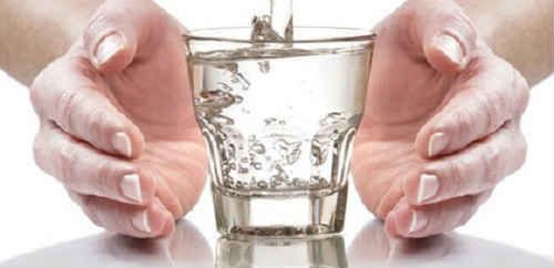 Вода из чужих рук может привести к негативным последствиям