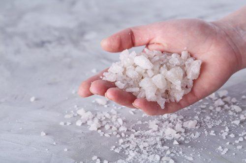Заговоры на четверговую соль от сглаза и порчи