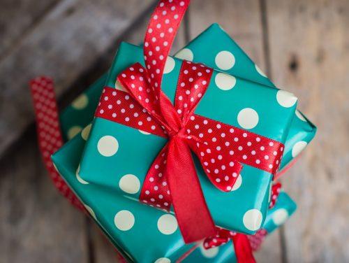 Определение и снятие порчи на подарок