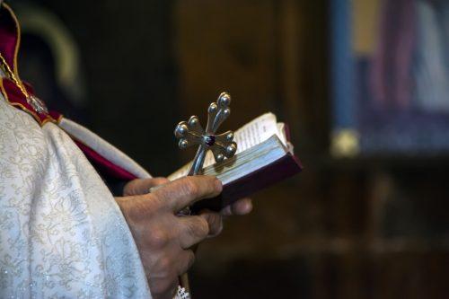 Молитвы читаются перед зеркалом
