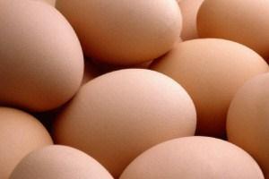 как снять порчу яйцом