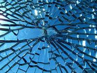Примета - разбить зеркало