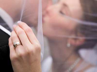 Чтобы выйти замуж нужно следовать приметам