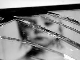 Примета на разбившееся зеркало
