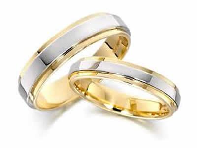 Как выбрать обручальные кольца: приметы