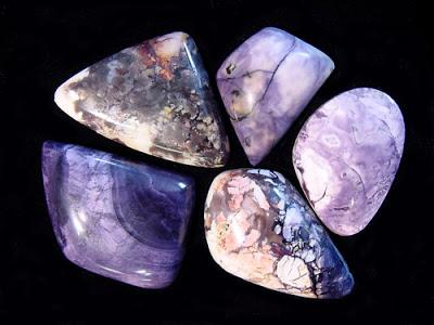 Камни для водолея женщины