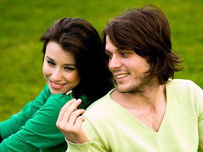 Брак по расчету длится дольше из-за уважения
