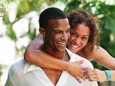 Счастливые союзы могут быть с Петухом не у всех знаков