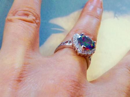 Дареное кольцо может быть приворотным