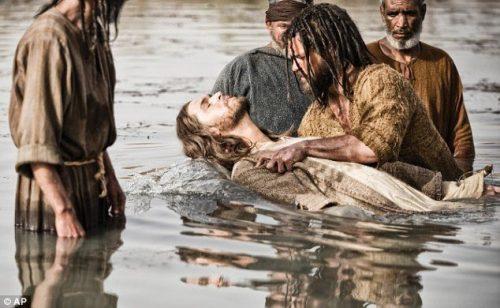 Популярны любовные крещенские заговоры