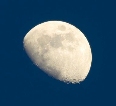 Заговоры на растущую луну на деньги, удачу и любовь