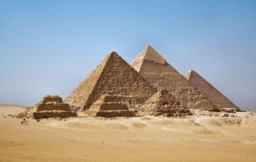 На принципе числа Фи построены пирамиды в Гизе