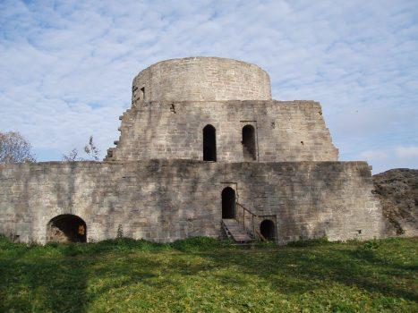 Настоящей крепостью станет дом под номером четыре