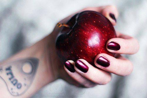 Привороты на яблоко практикуются уже несколько веков