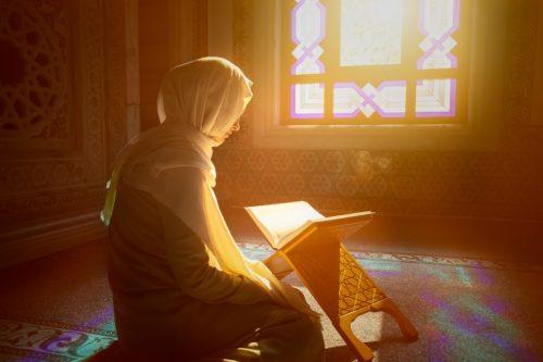 Правила отчитки молитвами от порчи в церкви